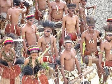 部族はなぜ筋骨隆々なの?